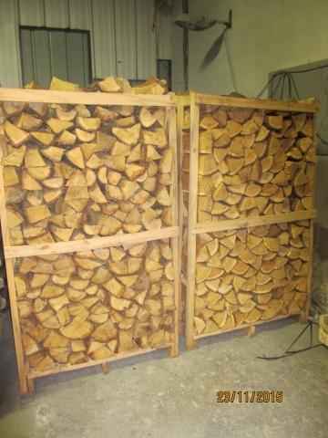bois de chauffage de chêne sur palette